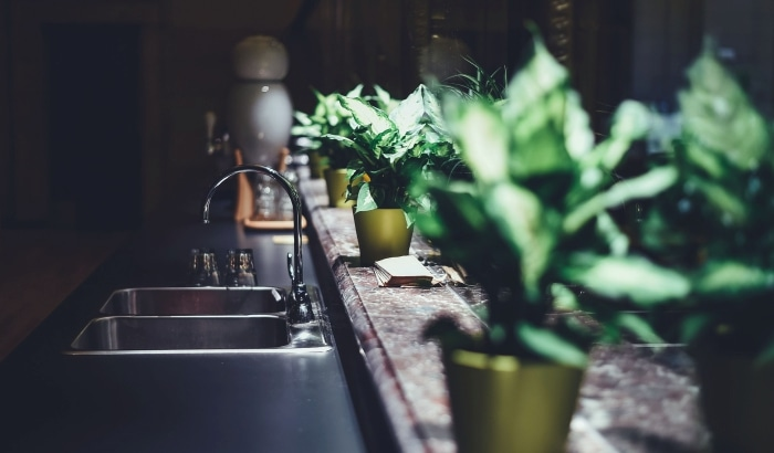 cleaning kitchen faucets